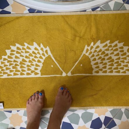 Hedgehog bathmat